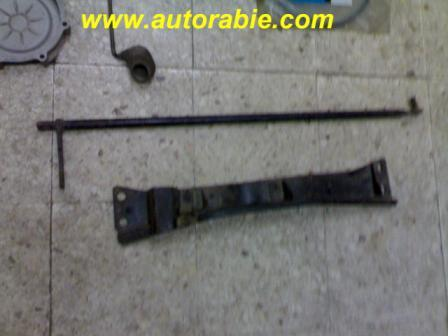 Fiat 127 1050 gear box support & gear lever linkage